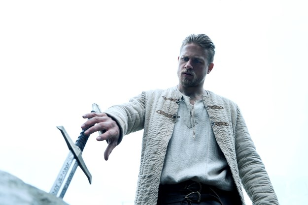 http://images.derstandard.at/t/M625/movies/2016/19888/170516223108428_15_king-arthur-legend-of-the-sword_aufm03.jpg