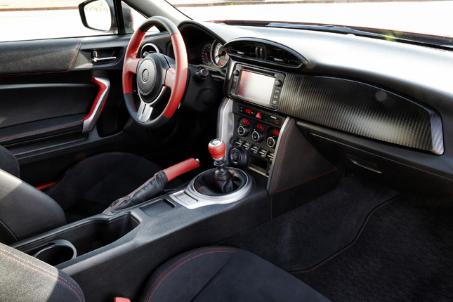 Alfa Romeo Logo Pin Badge Kult BerüHmt FüR AusgewäHlte Materialien Neuartige Designs Herrliche Farben Und Exquisite Verarbeitung
