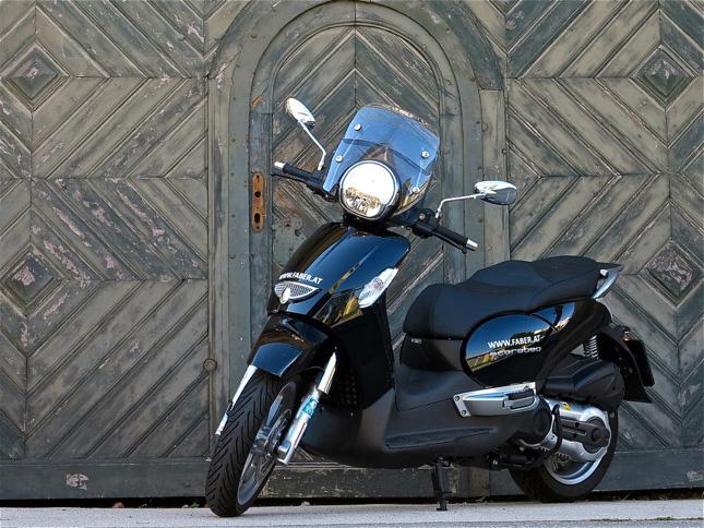 der roller scarabeo 500 ie im test seite 1 scooter. Black Bedroom Furniture Sets. Home Design Ideas