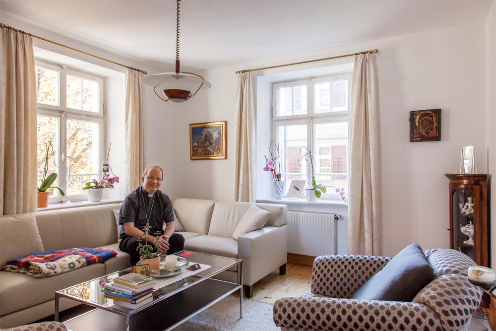 wohnen ist f r mich wie ein sozialer uterus wohngespr ch immobilien. Black Bedroom Furniture Sets. Home Design Ideas