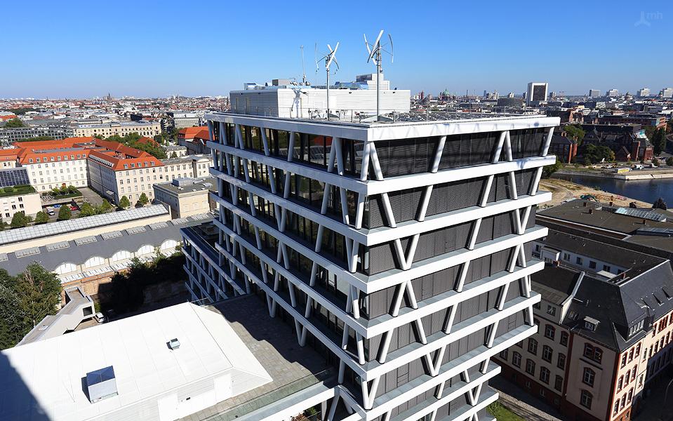zickzack statt lochfassade 50 hertz in berlin seite 1 architektur stadt. Black Bedroom Furniture Sets. Home Design Ideas