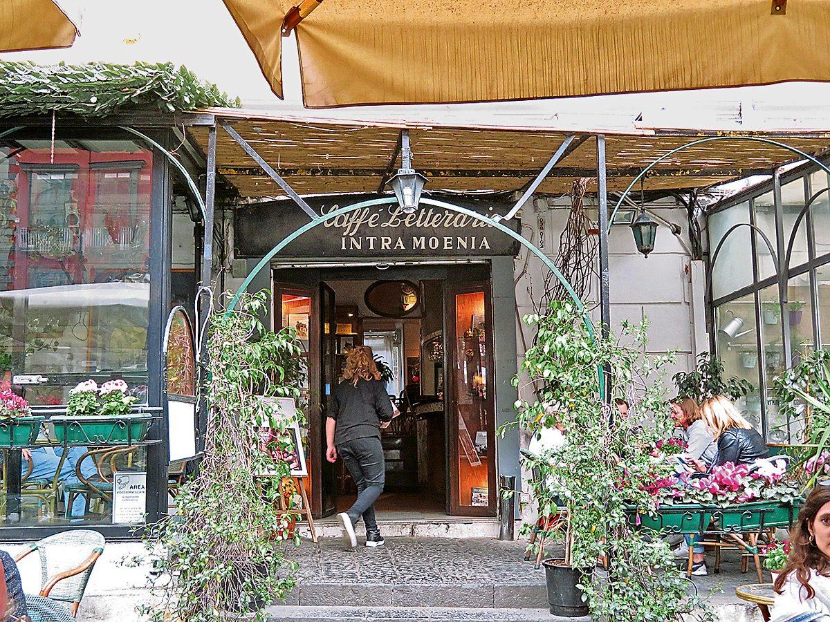sale retailer 7d0b6 284b8 caffeintramoenia.jpg