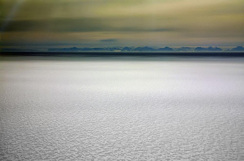 Etwas frisst sich durch das westantarktische Eisschelf