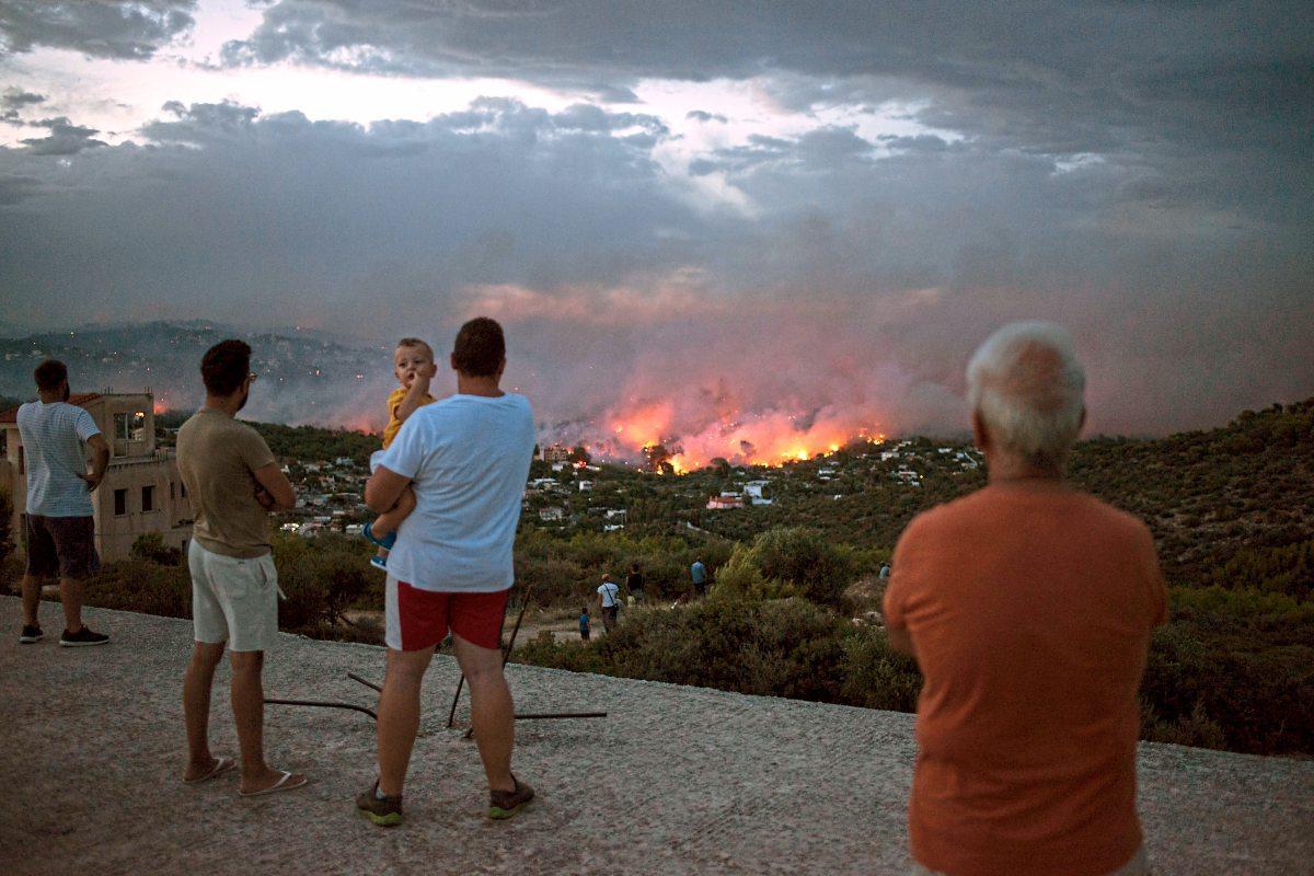Mehr Als 70 Menschen Bei Waldbränden Nahe Athen Getötet Viele In