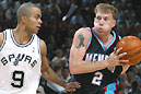 Tony Parker (links) von den Spurs gegen Jason Williams von den Grizzlies.