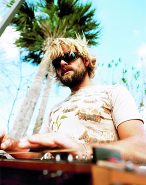 Xavier Rudd: Dark Shades Of Blue (Anti/Edel)