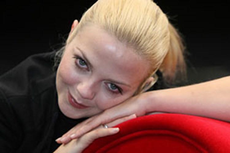 Annett Louisan Wie Soll Ein Mensch Das Ertragen Annett Louisan Bin Sehr Sexistisch Kunst Und Kultur Derstandard At Diestandard