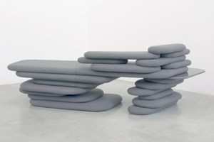 "Aus Robert Stadlers Serie ""Possible Furniture"" das Objekt ""Possible Meridienne"" (2008) 222 x 99 x 68 cm, Courtesy : Galerie Emmanuel Perrotin Miami / Paris, Robert Stadler."