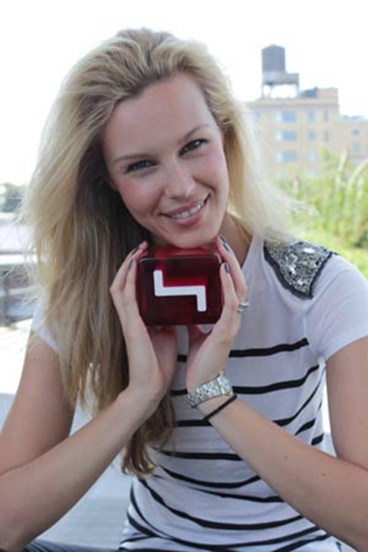 Melanie Scheriau Moderiert Austria S Next Topmodel Auf