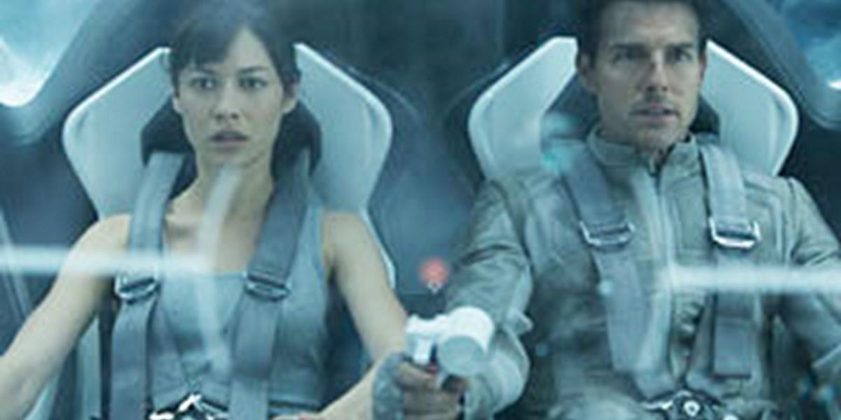 Oblivion Schnappchenjagd Auf Dem Trummerhaufen Filmkritik Derstandard At Kultur