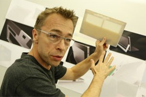 Ralf Groene, Director of Industrial Design for Surface, hat Microsofts Tablets entworfen.