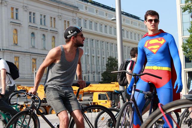 nackt auf bike
