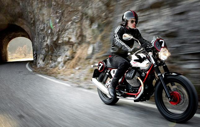 Sie Haben Die Looks Der 60er Jahre Aber Technik Von Heute Retro Bikes Wie Kawasaki W800 Moto Guzzi V7 Oder Aktuelle Honda CB 1100