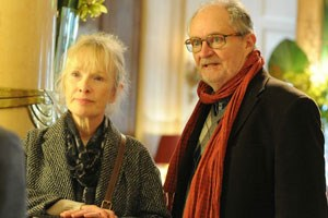 "Lindsay Duncan (li.) und Jim Broadbent in ""Le Weekend""."