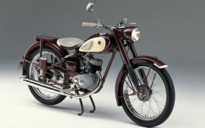 Die DKW RT 125 in der Interpretation von Yamaha.