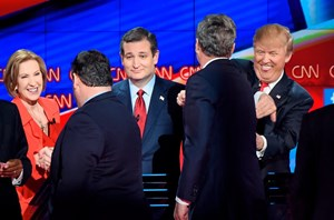 Republikaner beim Shakehands nach der Debatte von links nach rechts:  Carly Fiorna, Chris Christie, Ted Cruz, Jeb Bush and Donald Trump.