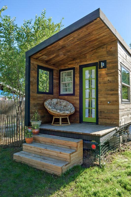 tiny house mit kindern wohnen auf 21 quadratmetern bauen wohnen immobilien. Black Bedroom Furniture Sets. Home Design Ideas