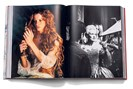 """aufschlagseite aus bettina rheims' """"retrospective"""", fotografiert von lukas friesenbichler"""