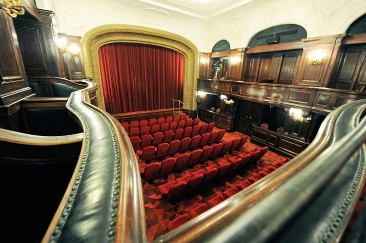 Kino Karfreitag
