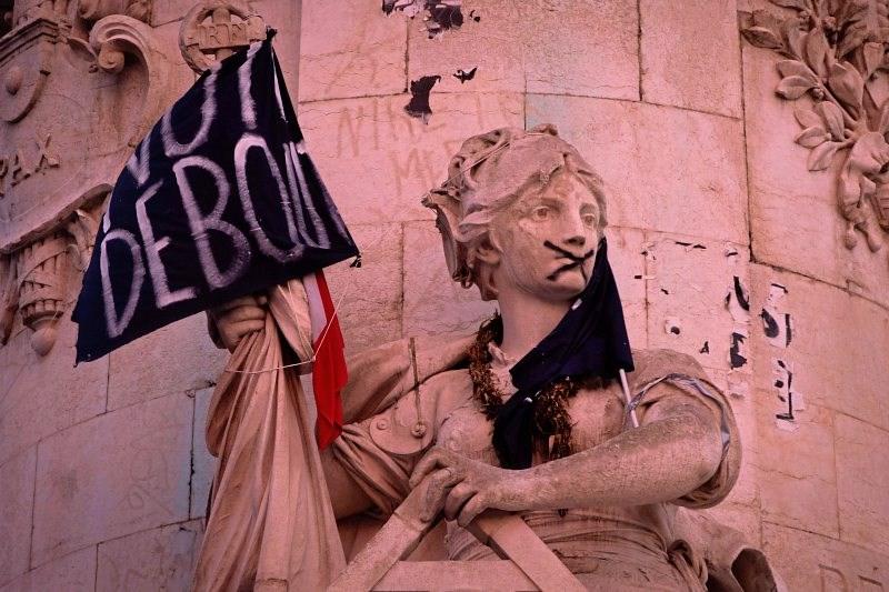 Nachtwache In Paris Unsere Demokratie Ist Eine Illusion