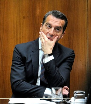 "Christian Kern im ""37.501-Dilemma""."