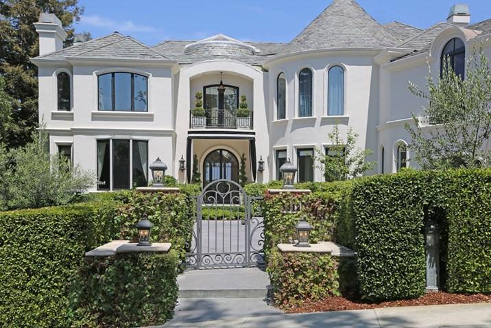 villa von robbie williams in los angeles zu haben luxusimmobilien immobilien. Black Bedroom Furniture Sets. Home Design Ideas