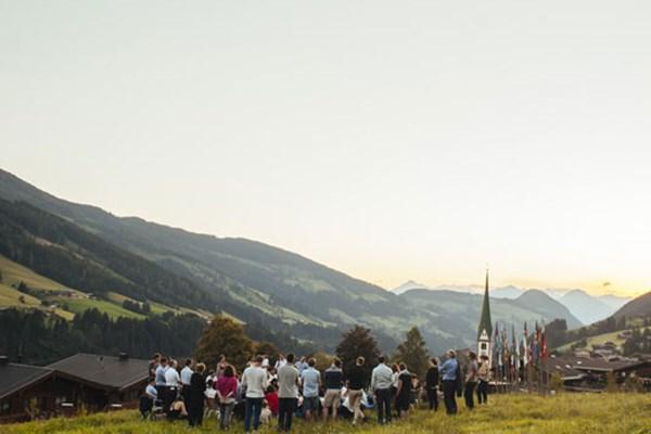 Laura De Jor - Hi! Wer von euch ist in Alpbach? Ich wrde