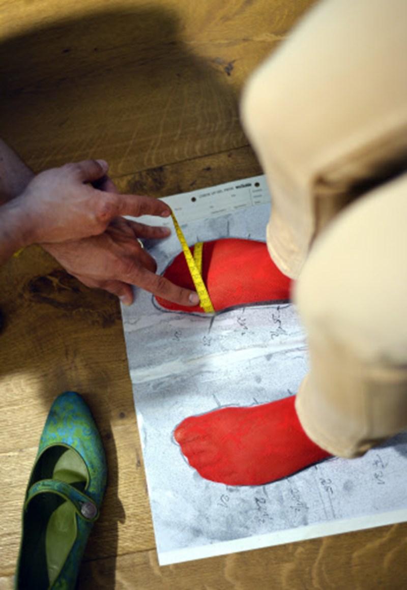 buy popular de83b d8386 Salamander lässt Kunden Schuhe selbst