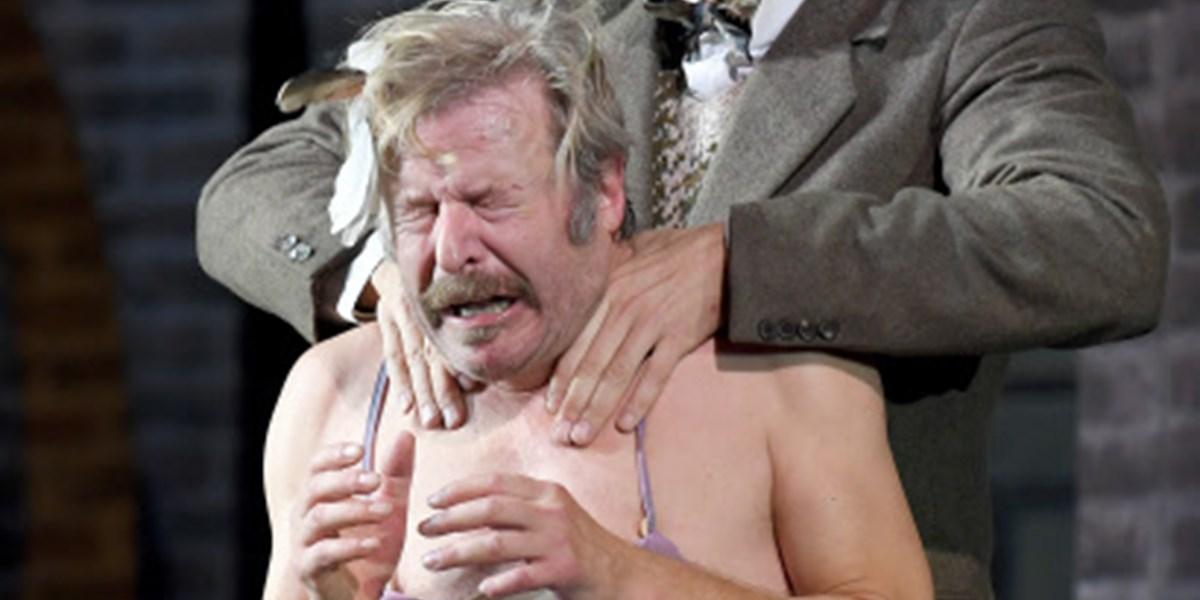 Pension Schöller Komödienfeuer Frei Auf Arme Pensionäre