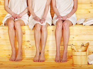 sauna nackt therme