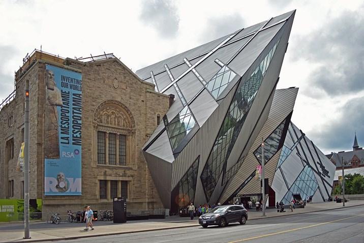 Alt trifft neu wenn sich architekturepochen vermischen architektur stadt for Berlin moderne architektur