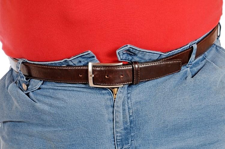 Reduzieren und Formen von Gürteln zur Gewichtsreduktion