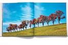 """aufschlagseite aus lammerhubers """"die schönste landschaft der welt"""", fotografiert von lukas friesenbichler"""