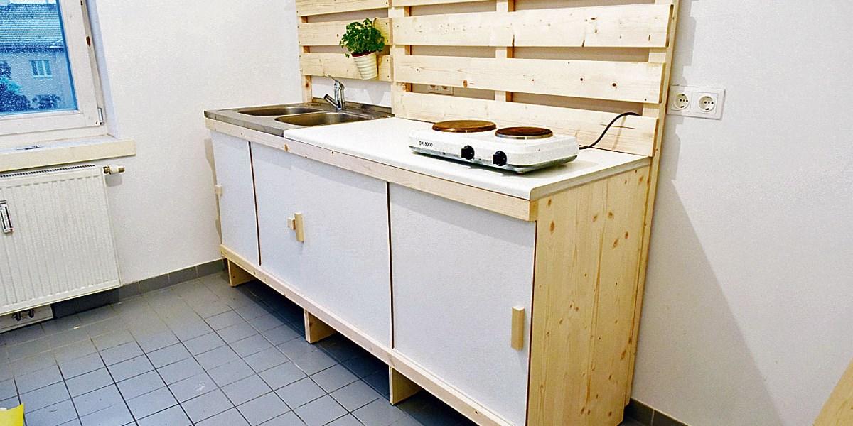 Wieder kochen: DIY-Küche für frühere Obdachlose um 160 Euro - Bauen ...