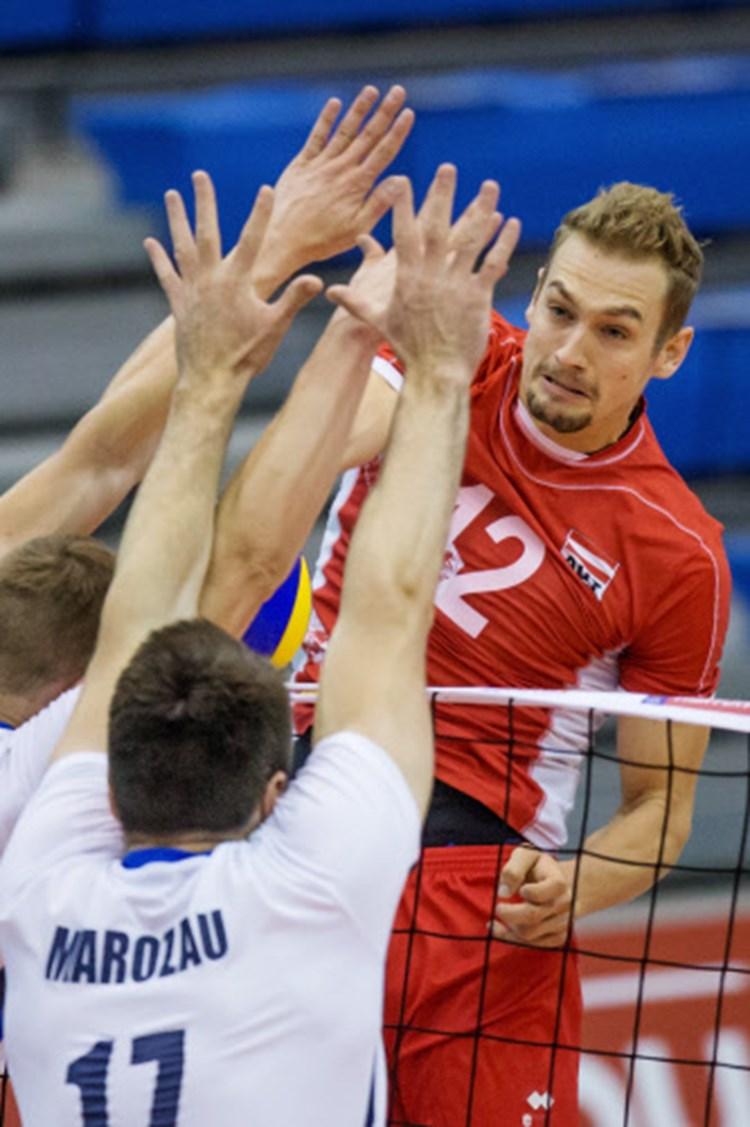 Fur Alexander Berger Geht S Schlag Auf Schlag Volleyball