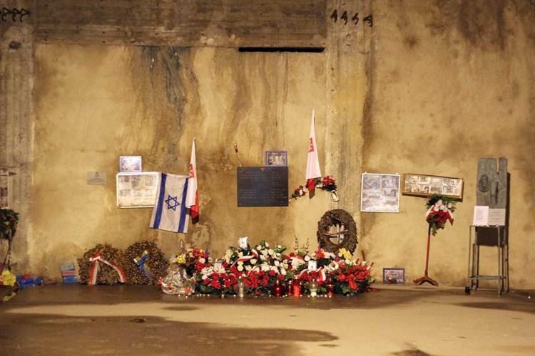 Kontaktanzeigen Mauthausen | Locanto Dating Mauthausen