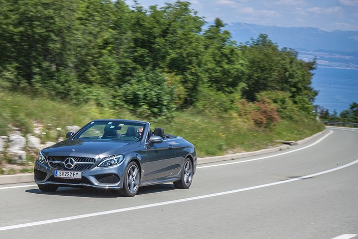 Benz C Klasse Cabrio Luft Und Liebe Mercedes Benz Derstandard