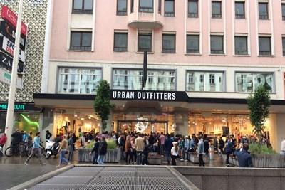 Urban Outfitters In Wien Bohemiens Im Bettenland Mode Kosmetik