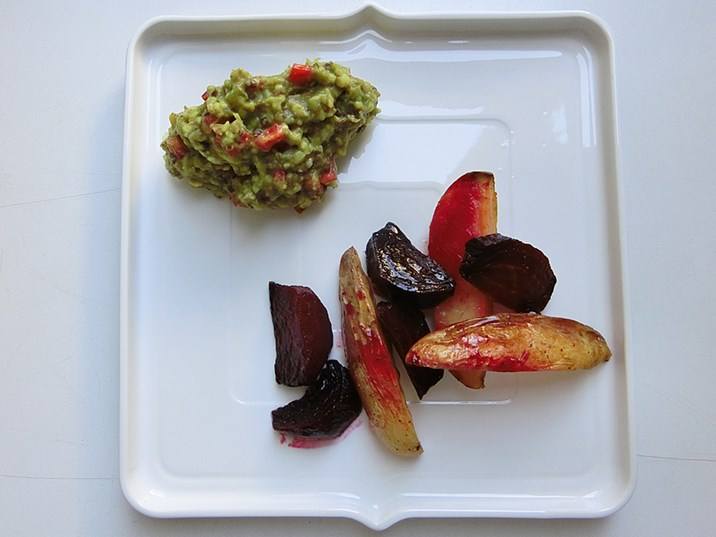 avocado auberginen dip mit rote r ben kartoffel wedges vegetarische rezepte. Black Bedroom Furniture Sets. Home Design Ideas