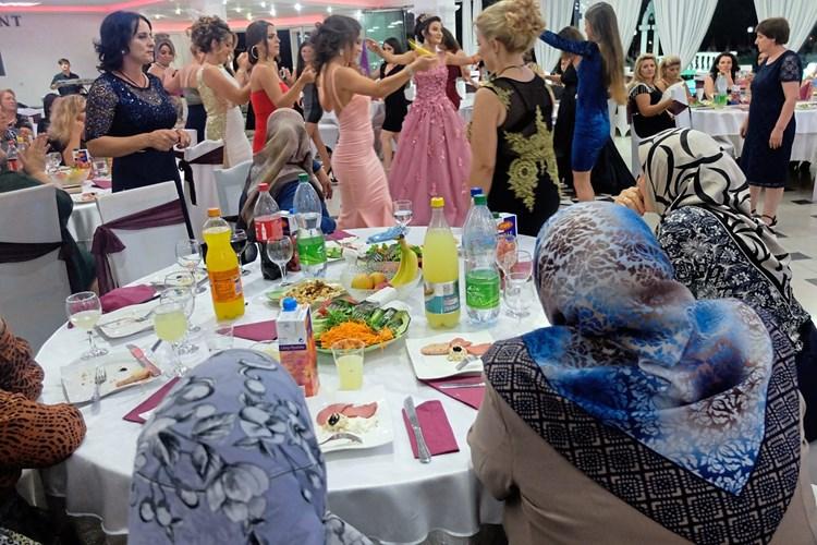 Heiraten Auf Balkanisch Gesellschaft Derstandard At Panorama