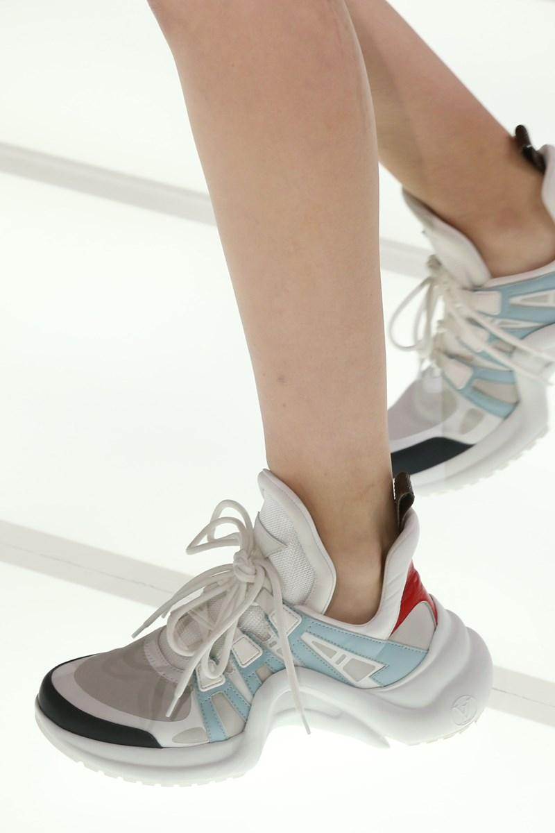 0a286122ef6bdb Klobig und orthopädisch  Die heißesten Sneaker der Saison - Mode ...