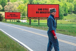 "Frances McDormand als kämpferische Mildred Hayes in ""Three Billboards Outside Ebbing, Missouri""."