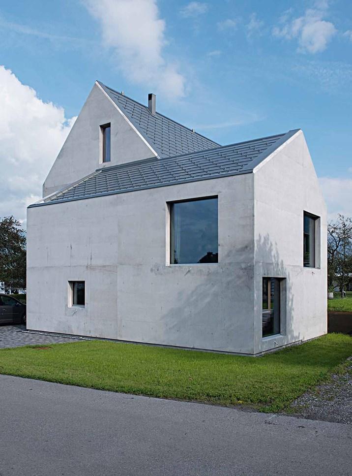 Graue klotzerei einfamilienh user aus beton architektur for Das japanische wohnhaus