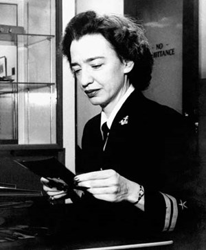 Grace Hopper 1946 an der Harvard-Universität.