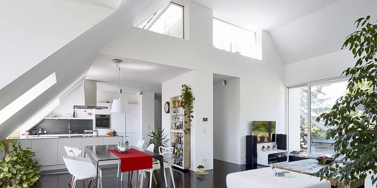 dachausbau viel platz unterm dach bauen wohnen. Black Bedroom Furniture Sets. Home Design Ideas