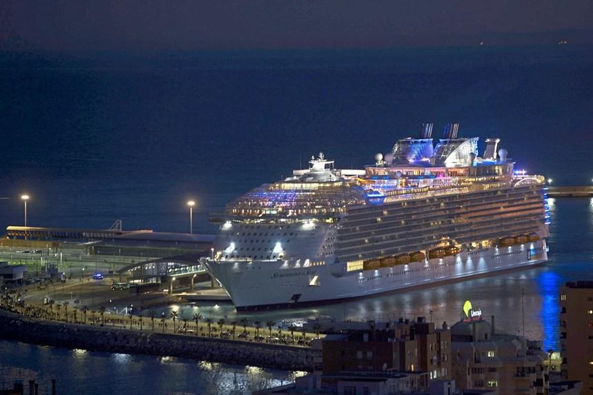 Symphony Of The Seas Größtes Kreuzfahrtschiff Der Welt In Málaga