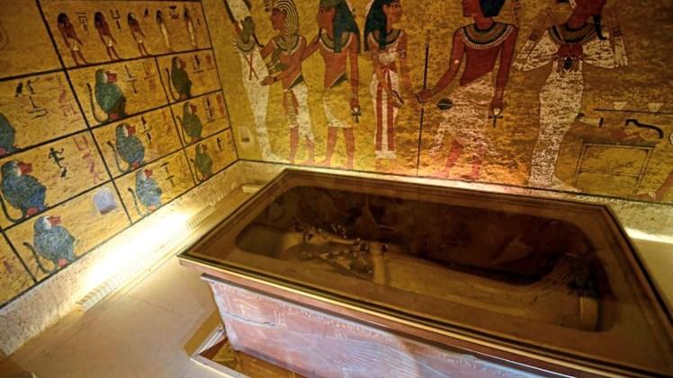 Bildergebnis für Pics, zum ersten Mal See Königs Tutanchamun Grab in Farbe