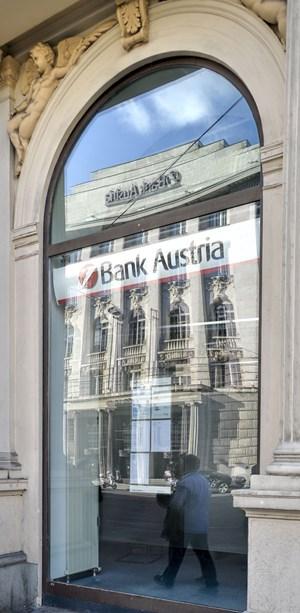 Klagsflut gegen Bank Austria nach Pensionsdeal - UniCredit ... on