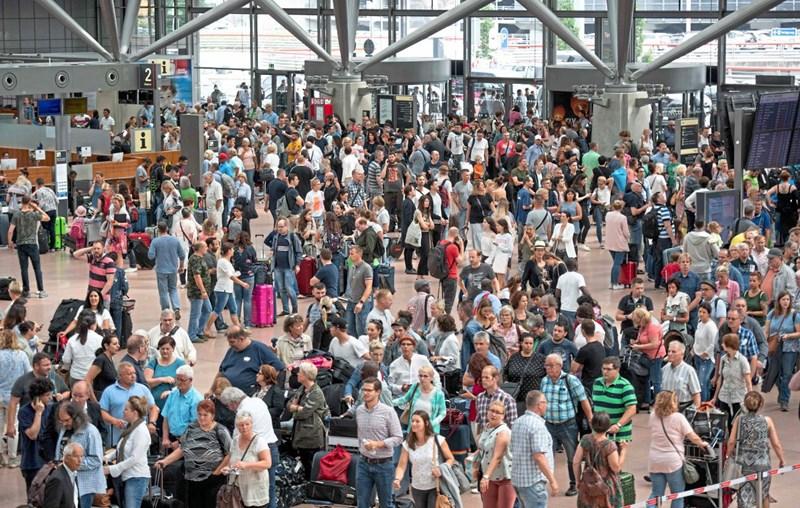 Hamburger Flughafen Wieder In Betrieb Suche Nach Ursache