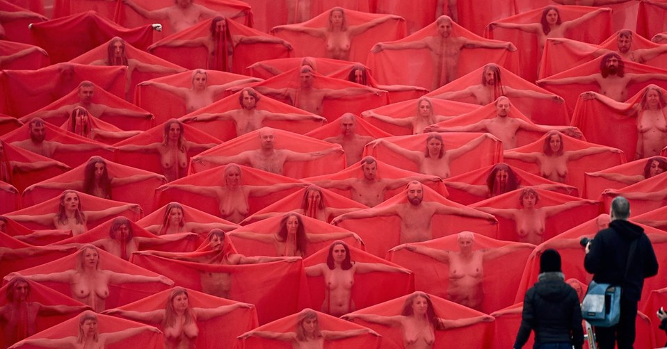 American artist reveals his controversial nude works